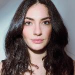Blogger  Paloma Cedeño - Artist.